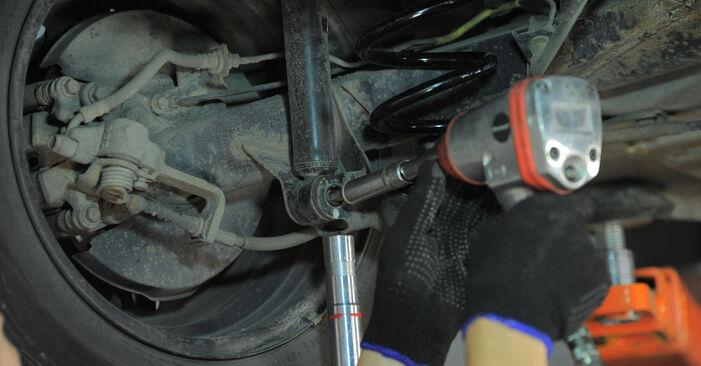 Honda Jazz gd 2003 1.3 (GD1) Spyruoklės keitimas savarankiškai