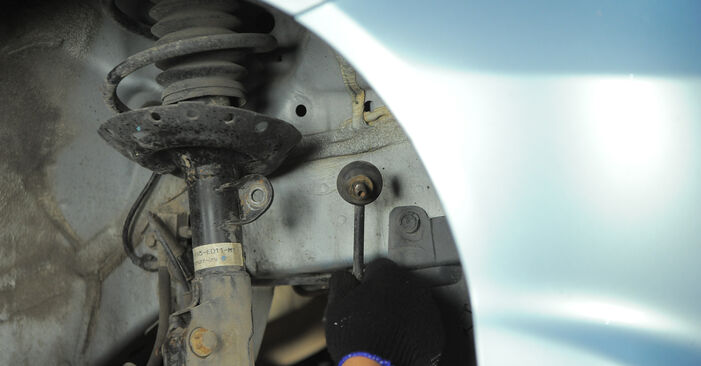 Ar sudėtinga pasidaryti pačiam: Honda Jazz gd 1.5 2007 Amortizatoriaus Atraminis Guolis keitimas - atsisiųskite iliustruotą instrukciją