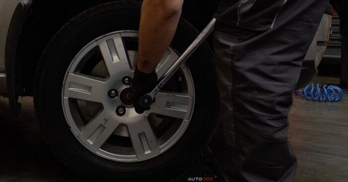 Tausch Tutorial Bremsscheiben am FORD MONDEO III Stufenheck (B4Y) 2004 wechselt - Tipps und Tricks