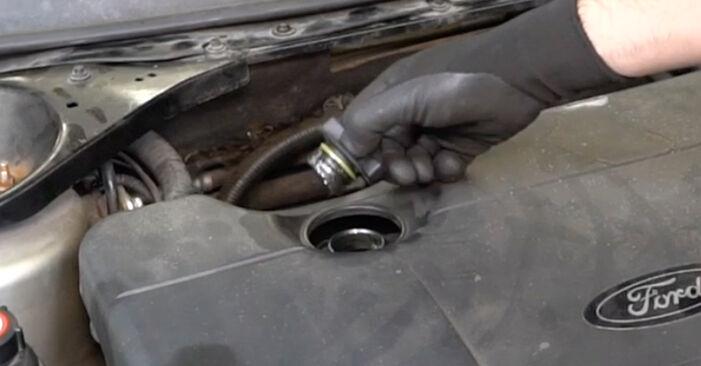 Ölfilter Ford Mondeo mk3 Limousine 2.0 16V TDDi / TDCi 2002 wechseln: Kostenlose Reparaturhandbücher