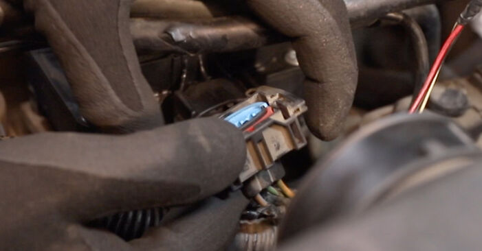 Hvordan bytte Tennspolen på FORD MONDEO III sedan (B4Y) 1.8 16V 2003 selv