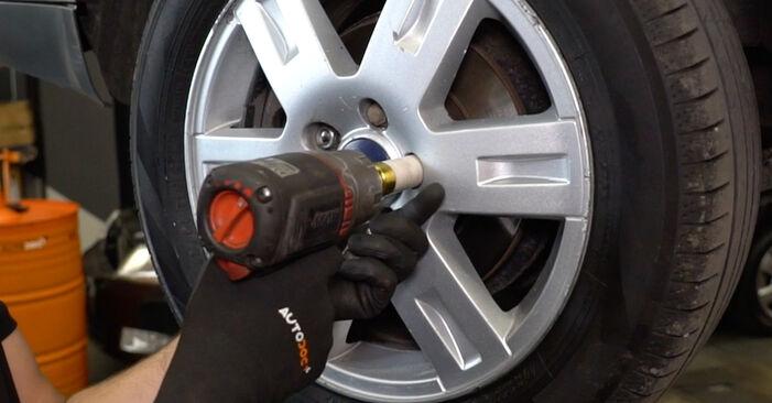 Смяна на Ford Mondeo mk3 Седан 2.0 16V 2002 Свързваща щанга: безплатни наръчници за ремонт