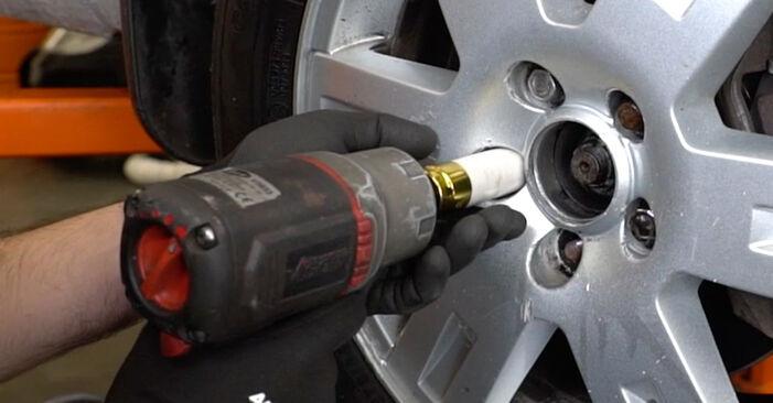 Ford Mondeo mk3 Sedanas 2.0 16V 2002 Pasukimo trauklė keitimas: nemokamos remonto instrukcijos