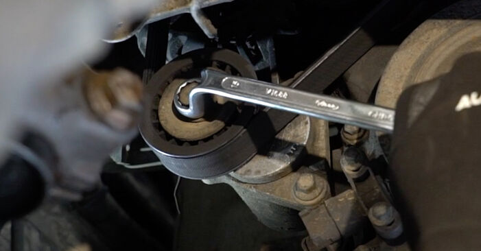 Hvordan bytte Kileribberem på FORD MONDEO III sedan (B4Y) 1.8 16V 2003 selv