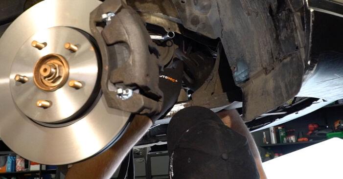 Vanskelighetsgrad: Bytte av Kileribberem på Ford Mondeo mk3 Sedan 2.2 TDCi 2006 – last ned illustrert veiledning