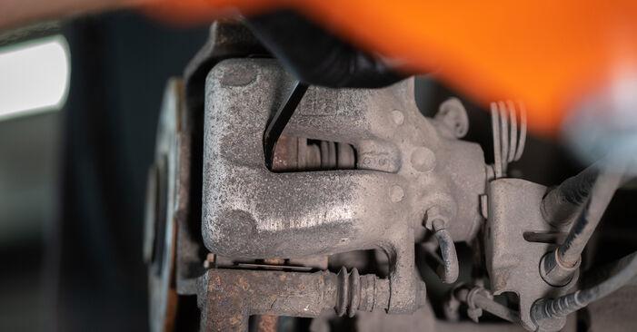 Kaip pakeisti Rato guolis VW Caddy III Universalas (2KB, 2KJ, 2CB, 2CJ) 2009: atsisiųskite PDF instrukciją ir vaizdo pamokas