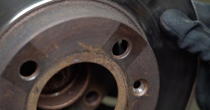 Kaip pakeisti VW GOLF III (1H1) 1995 Stabdžių diskas - patarimai ir gudrybės