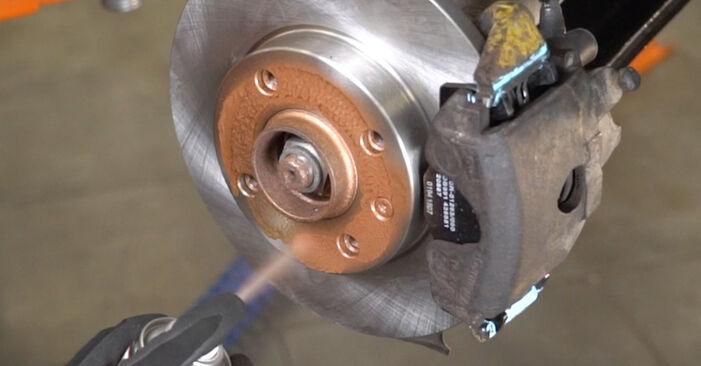 VW GOLF 1998 Stabdžių diskas išsami keitimo instrukcija