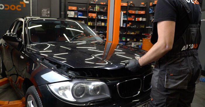 How to change Pollen Filter on BMW 1 Coupe (E82) 2010 - tips and tricks
