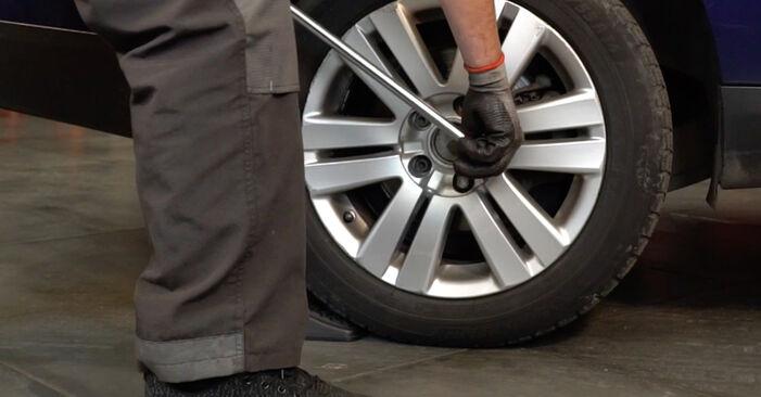 Bremsscheiben Passat B6 Variant 1.9 TDI 2007 wechseln: Kostenlose Reparaturhandbücher