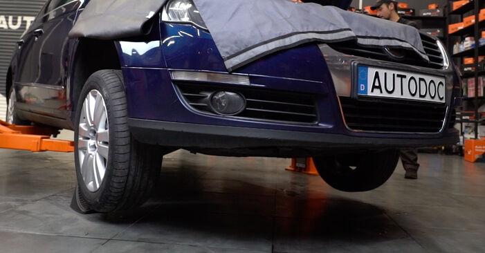 Wechseln Bremsscheiben am VW Passat Variant (3C5) 2.0 FSI 2008 selber