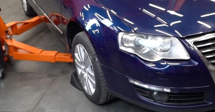 Querlenker beim VW PASSAT 1.6 TDI 2005 selber erneuern - DIY-Manual