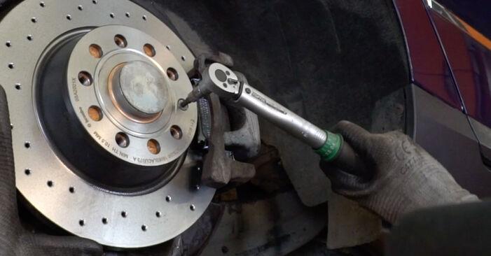 Aké náročné to je, ak to budete chcieť urobiť sami: Lozisko kolesa výmena na aute Passat B6 1.4 TSI EcoFuel 2005 – stiahnite si ilustrovaný návod