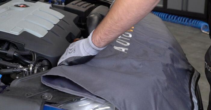 Wie Stoßdämpfer VW Passat Variant (3C5) 2.0 TDI 16V 2006 austauschen - Schrittweise Handbücher und Videoanleitungen