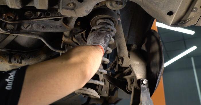 Tausch Tutorial Stoßdämpfer am VW Passat Variant (3C5) 2005 wechselt - Tipps und Tricks