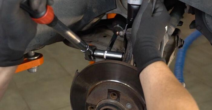 Tausch Tutorial Stoßdämpfer am VW GOLF III (1H1) 1995 wechselt - Tipps und Tricks