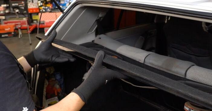 Wie Stoßdämpfer VW GOLF III (1H1) 2.0 1992 austauschen - Schrittweise Handbücher und Videoanleitungen