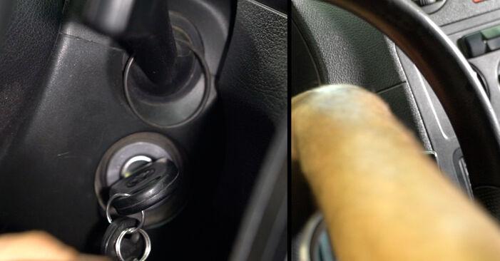 Kaip pakeisti Valytuvo gumelė la VW Caddy 3 2004 - nemokamos PDF ir vaizdo pamokos