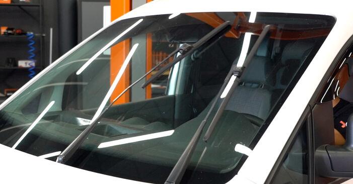 Kaip pakeisti VW Caddy III Universalas (2KB, 2KJ, 2CB, 2CJ) 1.9 TDI 2005 Valytuvo gumelė - išsamios instrukcijos ir vaizdo pamokos