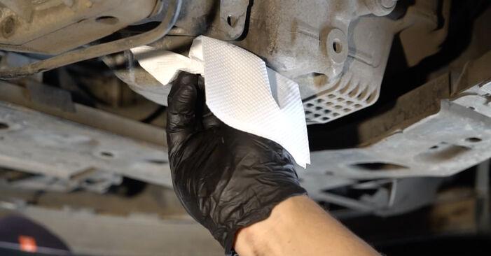 Sustitución de Filtro de Aceite en un Renault Clio 3 1.2 16V 2007: manuales de taller gratuitos