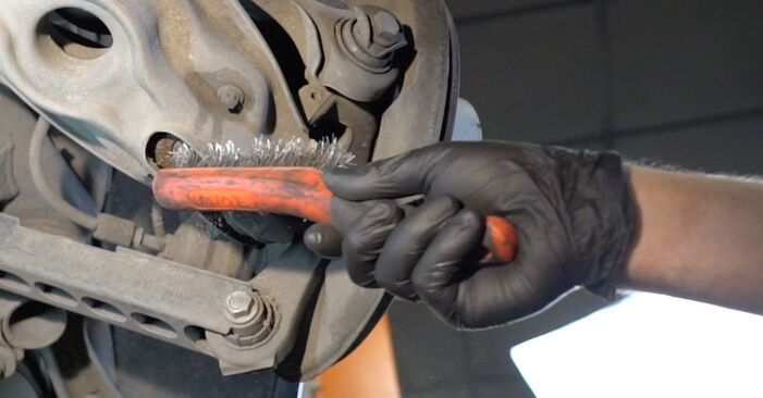 Naredite sami zamenjavo BMW 1 Coupe (E82) 135i 3.0 2012 Blazilnik - spletni vodič