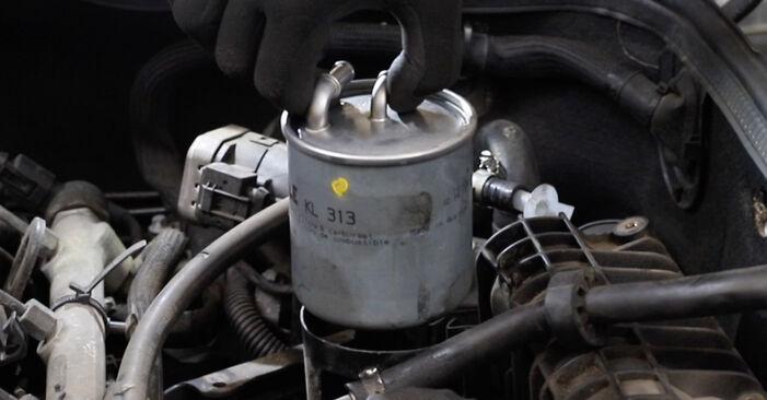 Kraftstofffilter Ihres Mercedes W211 E 200 CDI 2.2 (211.007) 2002 selbst Wechsel - Gratis Tutorial