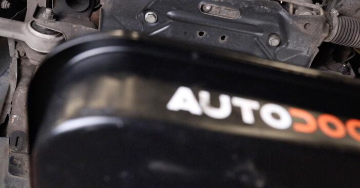 Смяна на Маслен филтър на Mercedes W211 2004 E 220 CDI 2.2 (211.006) самостоятелно