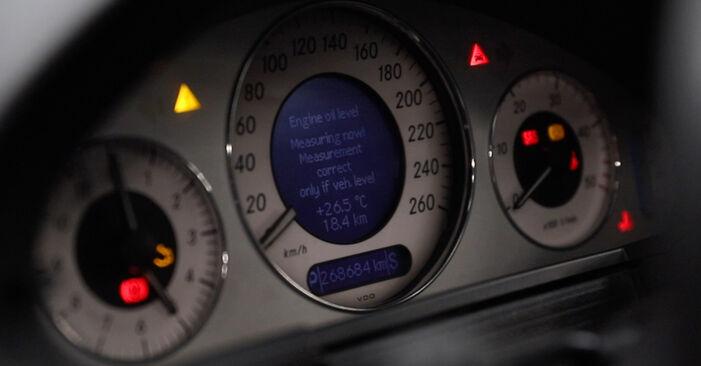 Как се сменя Маслен филтър на MERCEDES-BENZ E-класа Седан (W211) 2006 - съвети и номера