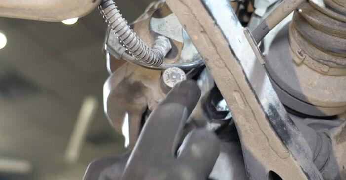 Vanskelighetsgrad: Bytte av Bremseklosser på Mercedes W211 E 320 CDI 3.0 (211.022) 2008 – last ned illustrert veiledning