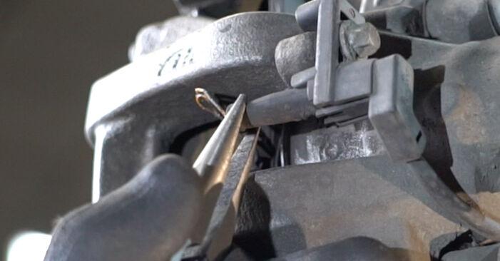 Hvordan skifte MERCEDES-BENZ E-CLASS 2009 Bremseklosser trinn–for–trinn veiledning