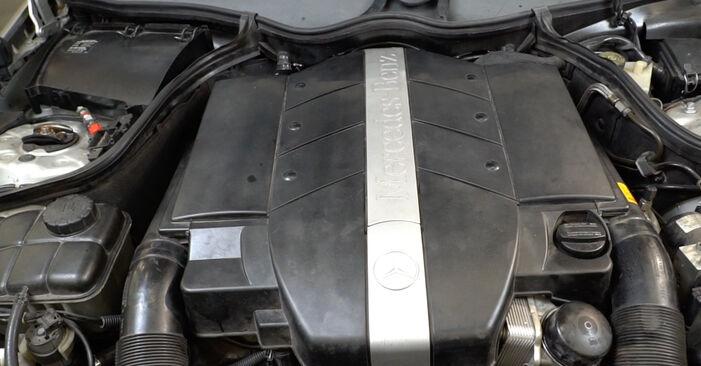 Как се сменя Ламбда сонда на Mercedes W203 2000 - безплатни PDF и видео уроци