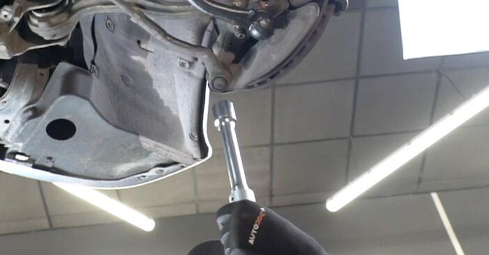 Querlenker Ihres Mercedes W203 C 200 1.8 Kompressor (203.042) 2000 selbst Wechsel - Gratis Tutorial