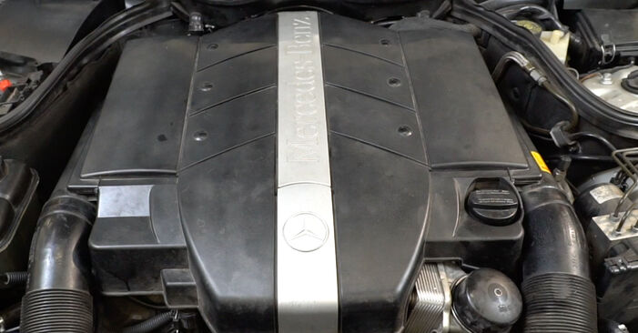 C-Klasse Limousine (W203) C 200 CDI 2.2 (203.007) 2003 C 180 1.8 Kompressor (203.046) Zündkerzen - Handbuch zum Wechsel und der Reparatur eigenständig