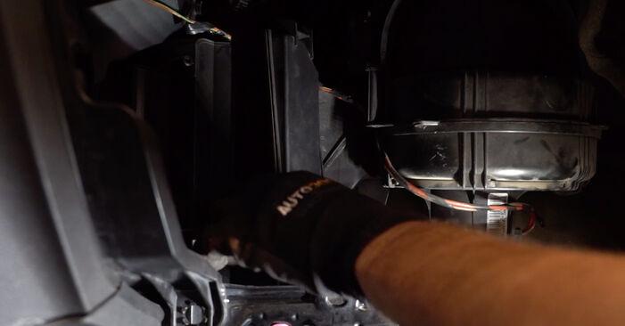 Išsamios Opel Zafira B 2007 1.6 CNG (M75) Oro filtras, keleivio vieta keitimo rekomendacijos