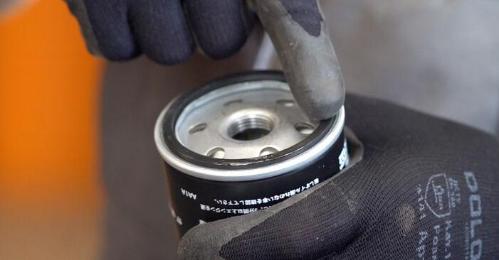 Išsamios Ford Focus mk2 Sedanas 2008 1.6 Ti Alyvos filtras keitimo rekomendacijos