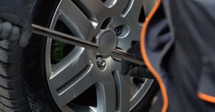 Wie Bremssattel VW Golf IV Schrägheck (1J1) 1.6 1998 austauschen - Schrittweise Handbücher und Videoanleitungen