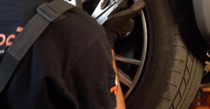 Wie schwer ist es, selbst zu reparieren: Bremsbeläge Audi A4 B6 Avant 1.8 T quattro 2001 Tausch - Downloaden Sie sich illustrierte Anleitungen