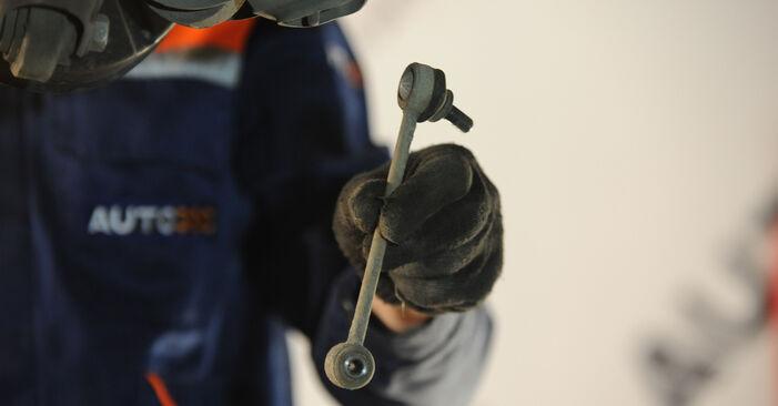 Wie schwer ist es, selbst zu reparieren: Koppelstange BMW E90 325d 3.0 2010 Tausch - Downloaden Sie sich illustrierte Anleitungen