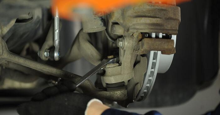 Querlenker am BMW 3 Limousine (E90) 330d 3.0 2011 wechseln – Laden Sie sich PDF-Handbücher und Videoanleitungen herunter