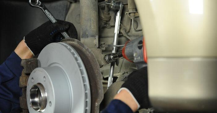 Austauschen Anleitung Domlager am BMW E90 2001 320d 2.0 selbst