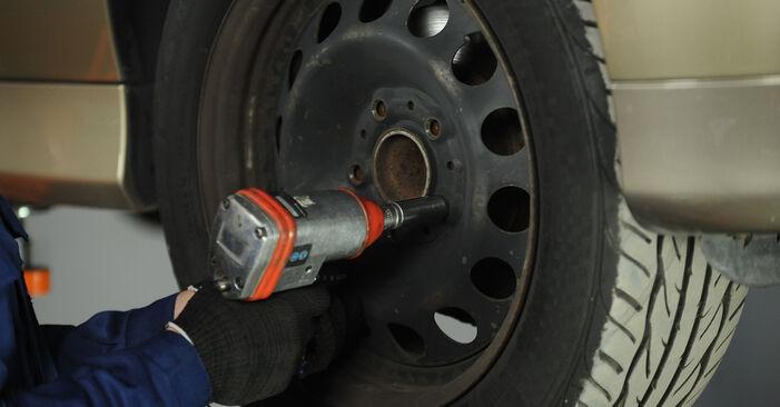 Radlager BMW E90 318d 2.0 2006 wechseln: Kostenlose Reparaturhandbücher