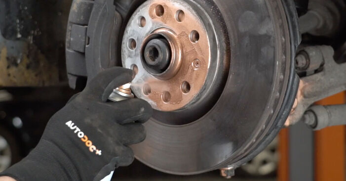 Wie schwer ist es, selbst zu reparieren: Querlenker Audi A4 B7 Limousine 2.0 TFSI 2005 Tausch - Downloaden Sie sich illustrierte Anleitungen