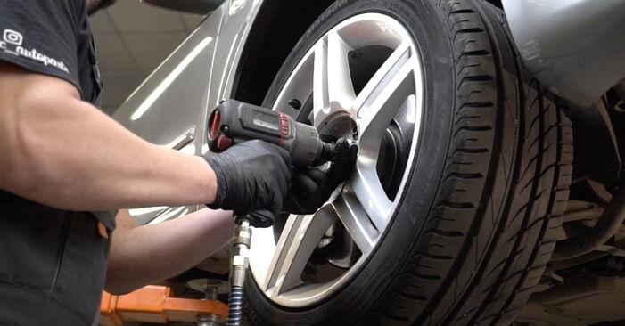 Querlenker Audi A4 B7 Limousine 2.0 TDI 2006 wechseln: Kostenlose Reparaturhandbücher