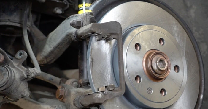 Zweckdienliche Tipps zum Austausch von Bremsbeläge beim AUDI A4 Limousine (8EC, B7) 2.0 TDI 2008