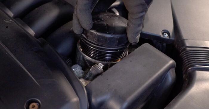 Remplacer Filtre à Huile sur BMW E92 2006 335i 3.0 par vous-même
