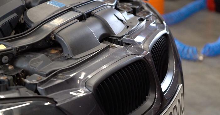 BMW E92 320d 2.0 2007 Filtre à Huile remplacement : manuels d'atelier gratuits