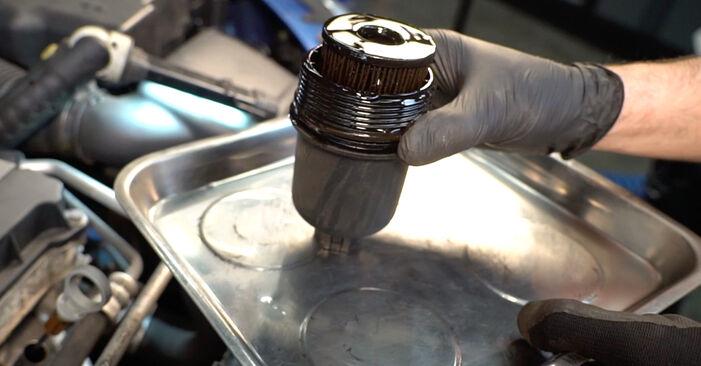 PEUGEOT 206 2.0 S16 Ölfilter ausbauen: Anweisungen und Video-Tutorials online