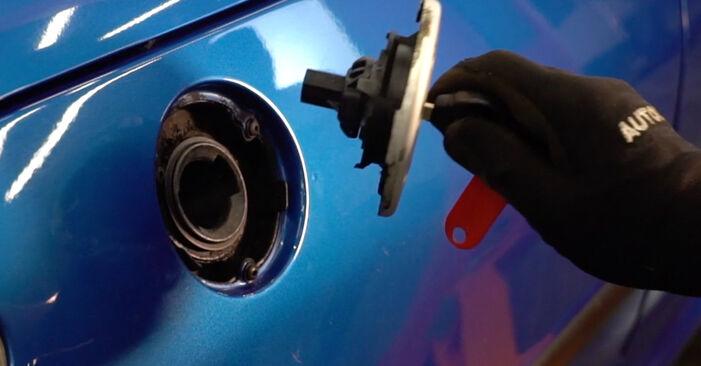 Wie Kraftstofffilter Peugeot 206 cc 2d 1.6 16V 1998 tauschen - Kostenlose PDF- und Videoanleitungen