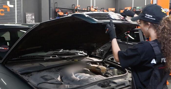 Wie Innenraumfilter Audi A6 C5 Avant 2.5 TDI quattro 1997 tauschen - Kostenlose PDF- und Videoanleitungen