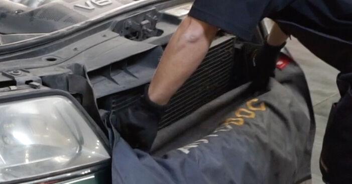 Wie Innenraumfilter AUDI A6 Avant (4B5, C5) 1.9 TDI 1998 austauschen - Schrittweise Handbücher und Videoanleitungen